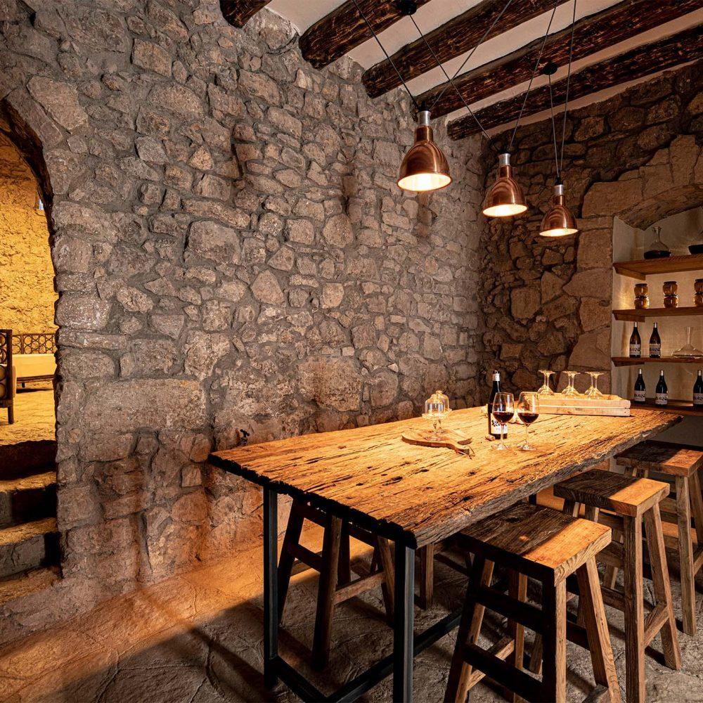 Wine-tasting-room-1